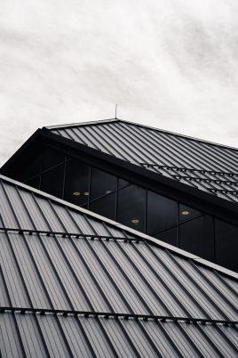 ryunosuke kikuno Mu9uo42SXEY unsplash 268x402 - Roofers: Make The Right Choice!
